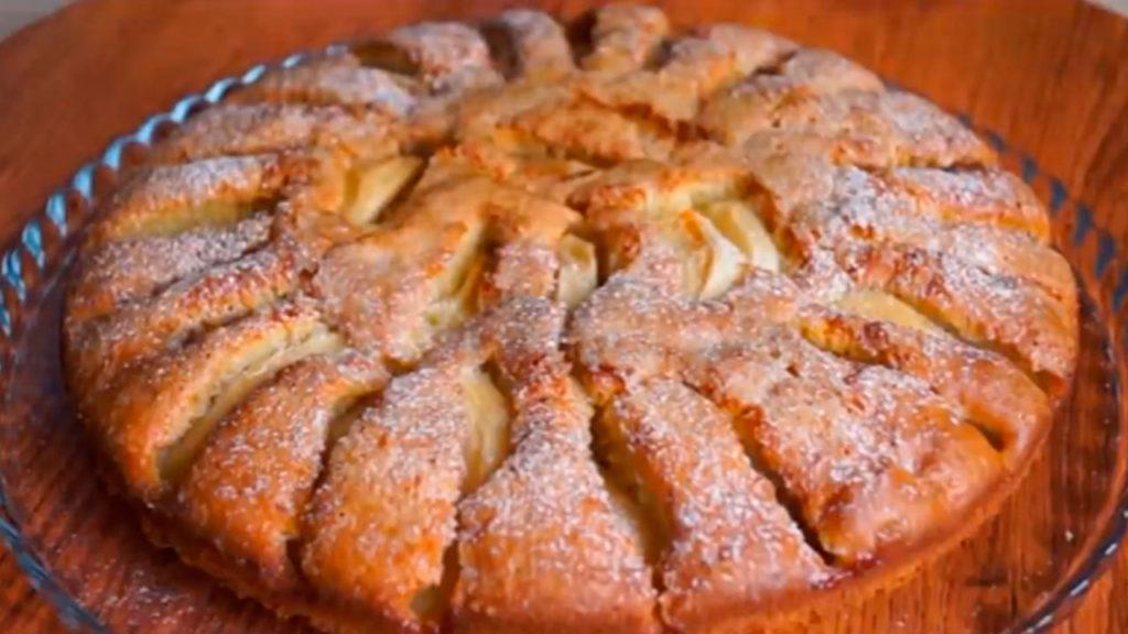 Рецепт быстрого и вкусного пирога с яблоками