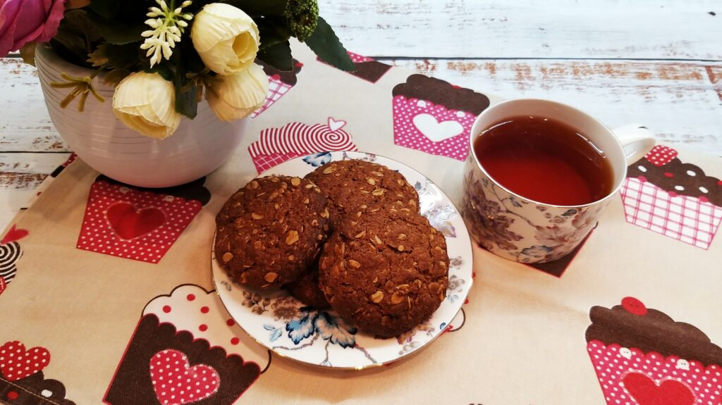 вкусное овсяное шоколадное печенье